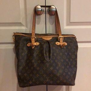 Authentic Louis Vuitton crossbody large bag